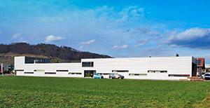 Emplacement: Au Affectation: Bureaux et production Surface utile: 1'287 m2